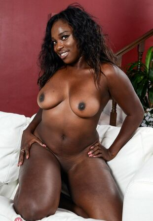DAHLIA - is exotic 40y beauty, immense dark-hued ass,..