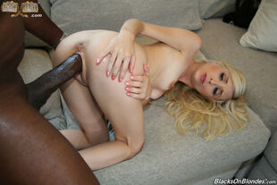 Small cock-squeezing cooter of slim honey Piper Perri is..